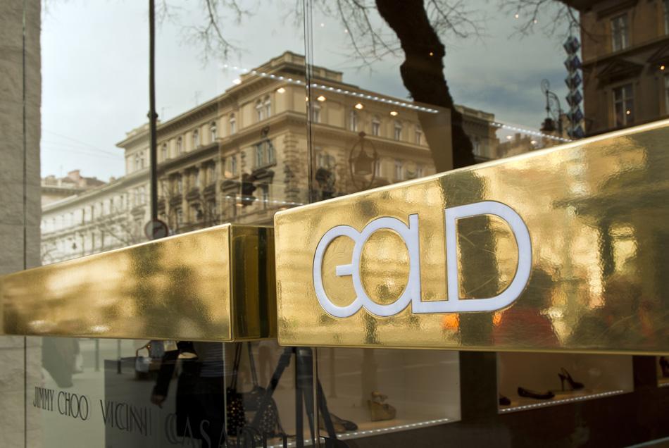 gold001.jpg