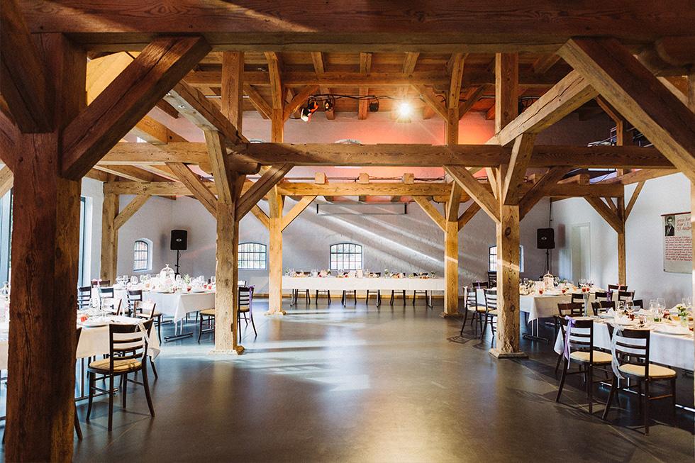 Traumanufaktur_Hochzeitsreportag_Hochzeitsfotograf_Gut_Landsdorf_Rostock_Ostsee_077.jpg
