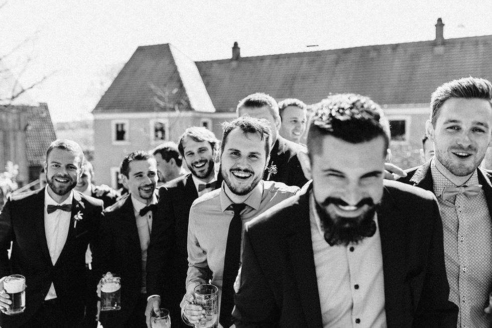 Traumanufaktur_Schafferhof_Windischeschenbach_Bayrische_Hochzeit_Hochzeitsfotograf_115.jpg