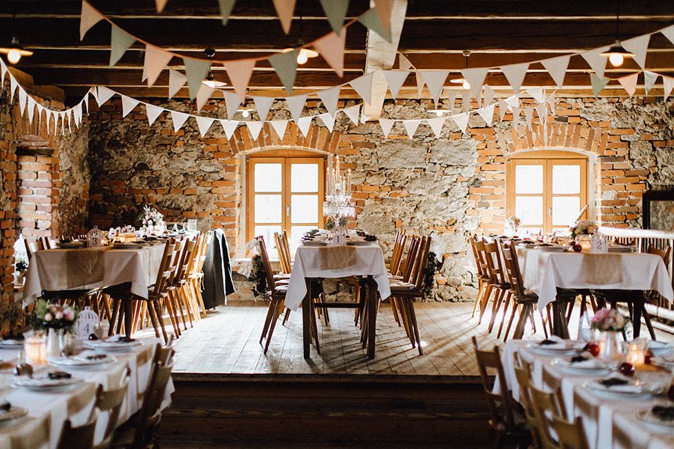 Traumanufaktur_Schafferhof_Windischeschenbach_Bayrische_Hochzeit_Hochzeitsfotograf_142.jpg