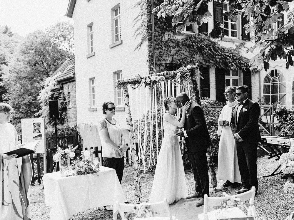 Traumanufaktur_Hochzeitsreportage_Kupfersiefer_Mühle_Köln_Rösrath_38.jpg