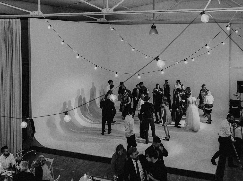 Traumanufaktur_Hochzeitsreportage_Hochzeitsfotograf_Studio_Lichtstraße_Köln_137.jpg