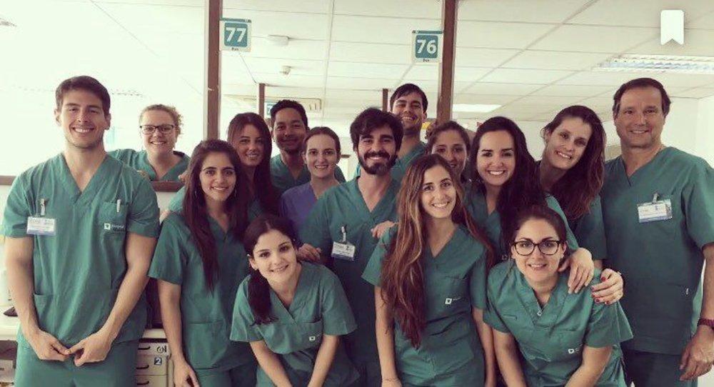 Máster en Implantología y Rehabilitación oral - universidad de BarcelonaProfesor y responsable de turno de cirugía.