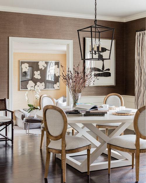 Grasscloth Dining Room: HUDSON INTERIOR DESIGNS