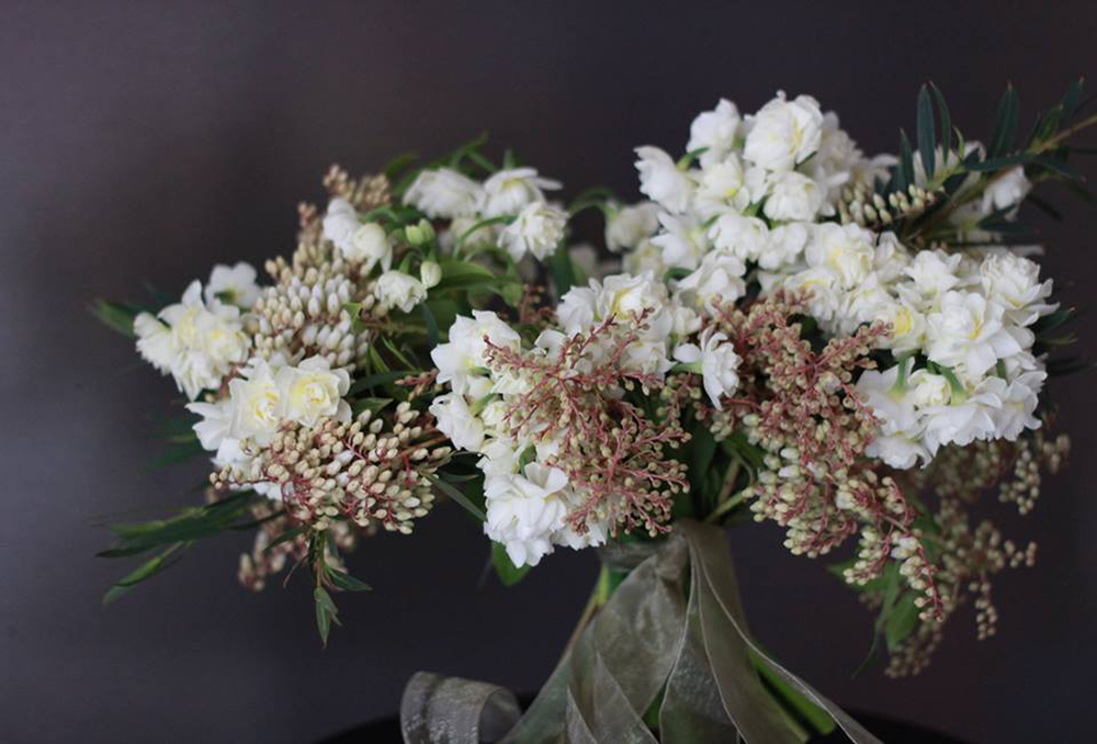 Early-Spring--wedding-bouquet.png