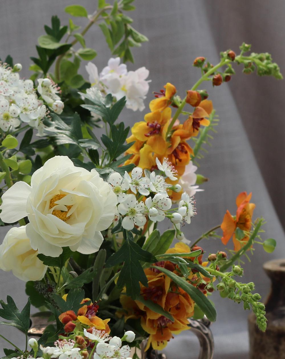Early-summer-arrangement.png