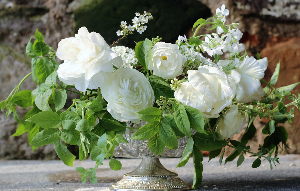 Late-Spring-wedding-.png
