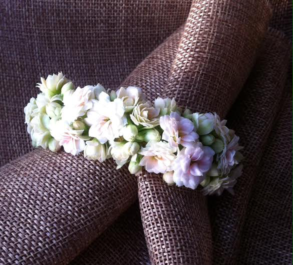 Wrist-corsage.png