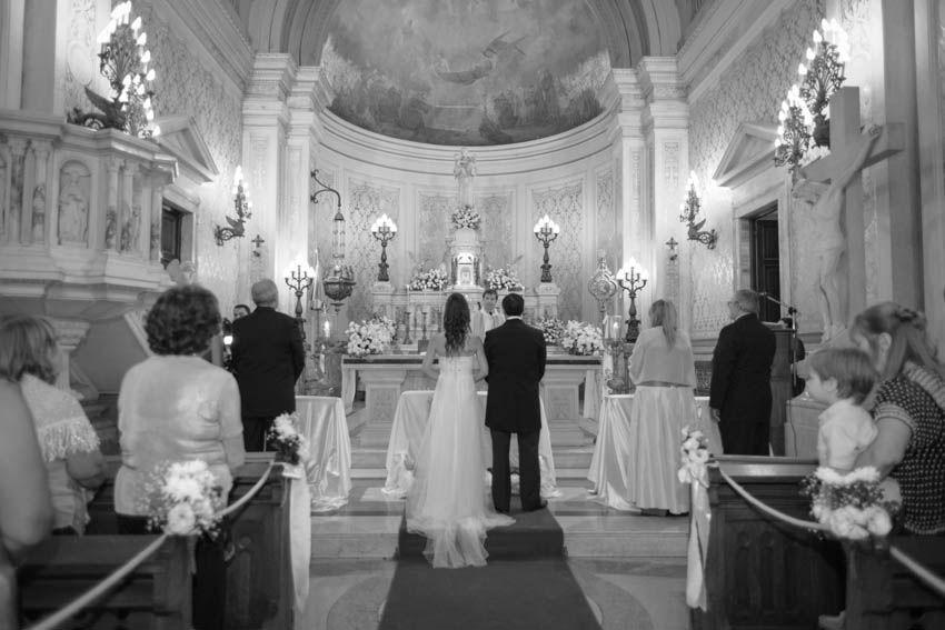 Laura+pablo-fotografo-de-casamientos-bodas-en-buenos aires-capital-argentina-imagenes-uriel-luongo-urielluongo.com-fotoperiodismo-basilica-san antonio de padua-mora prado-eventos (14 de 44)