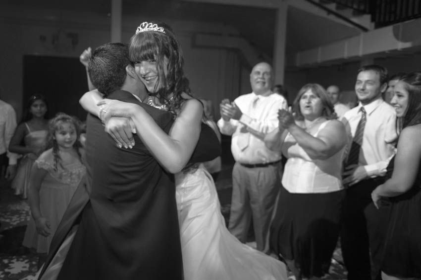 Laura+pablo-fotografo-de-casamientos-bodas-en-buenos aires-capital-argentina-imagenes-uriel-luongo-urielluongo.com-fotoperiodismo-basilica-san antonio de padua-mora prado-eventos (26 de 44)