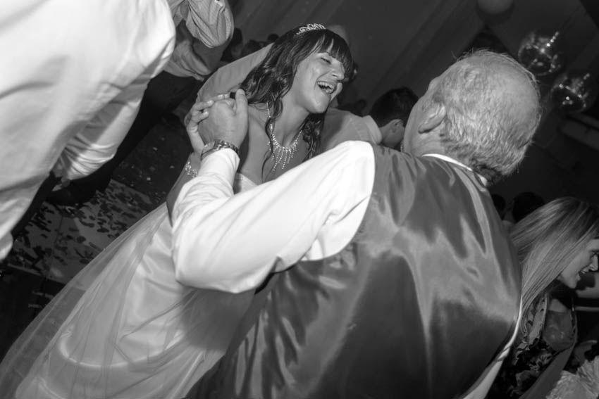 Laura+pablo-fotografo-de-casamientos-bodas-en-buenos aires-capital-argentina-imagenes-uriel-luongo-urielluongo.com-fotoperiodismo-basilica-san antonio de padua-mora prado-eventos (31 de 44)