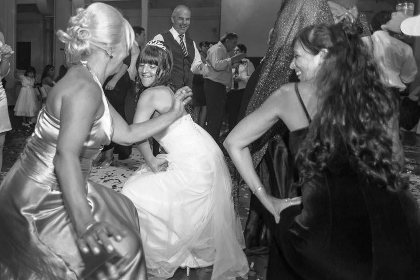 Laura+pablo-fotografo-de-casamientos-bodas-en-buenos aires-capital-argentina-imagenes-uriel-luongo-urielluongo.com-fotoperiodismo-basilica-san antonio de padua-mora prado-eventos (34 de 44)