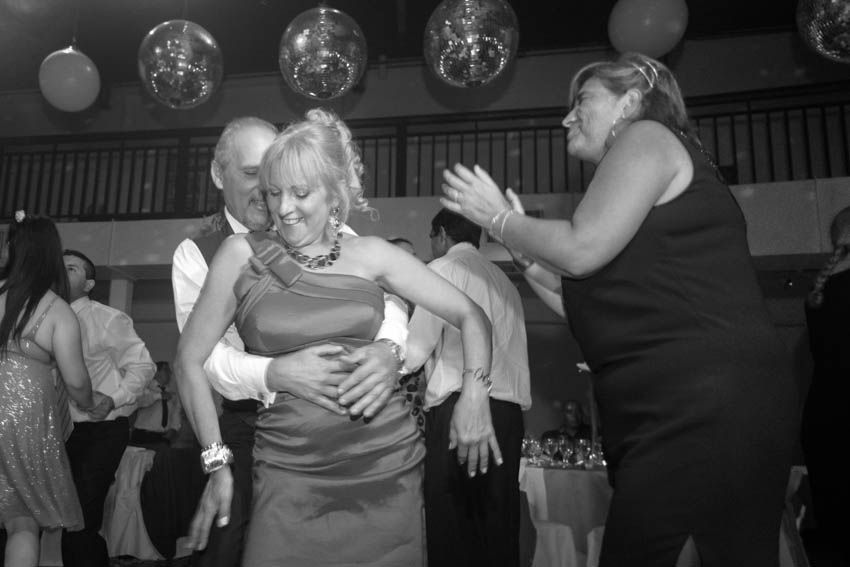 Laura+pablo-fotografo-de-casamientos-bodas-en-buenos aires-capital-argentina-imagenes-uriel-luongo-urielluongo.com-fotoperiodismo-basilica-san antonio de padua-mora prado-eventos (36 de 44)
