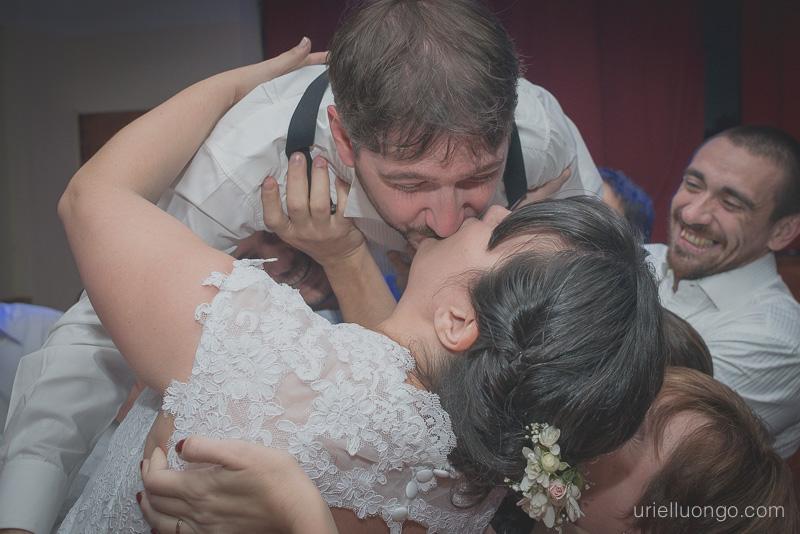 urielluongo.com-casamiento-buenos-aires-argentina-autor-fotografo-bodas-parroquia-san-pedro-telmo-san-telmo-salon-tui-salceda-españa-imagen-042.jpg