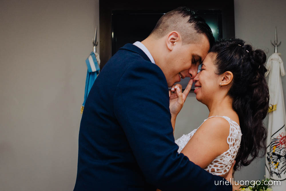 uriel-luongo-fotografia-casamientos-bodas-argentina-imagenes-bodas-buenos-aires-comuna-6-bar-magno-documentl-loqueimportaeselmomento