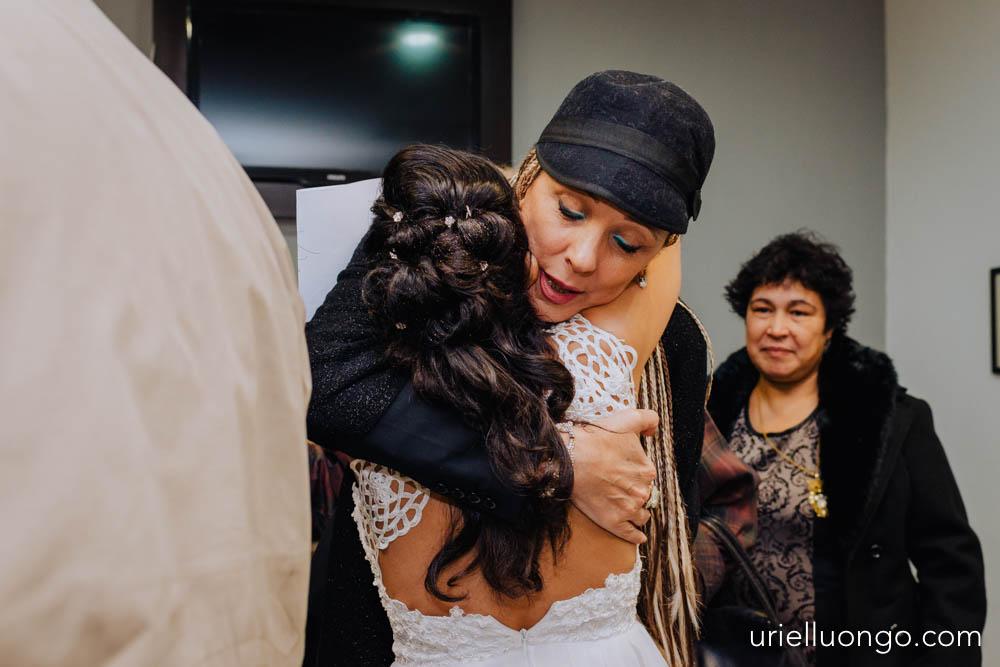 uriel-luongo-fotografia-casamientos-bodas-argentina-imagenes-bodas-buenos-aires-comuna-6-bar-magno-documentl-loqueimportaeselmomento-017.jpg