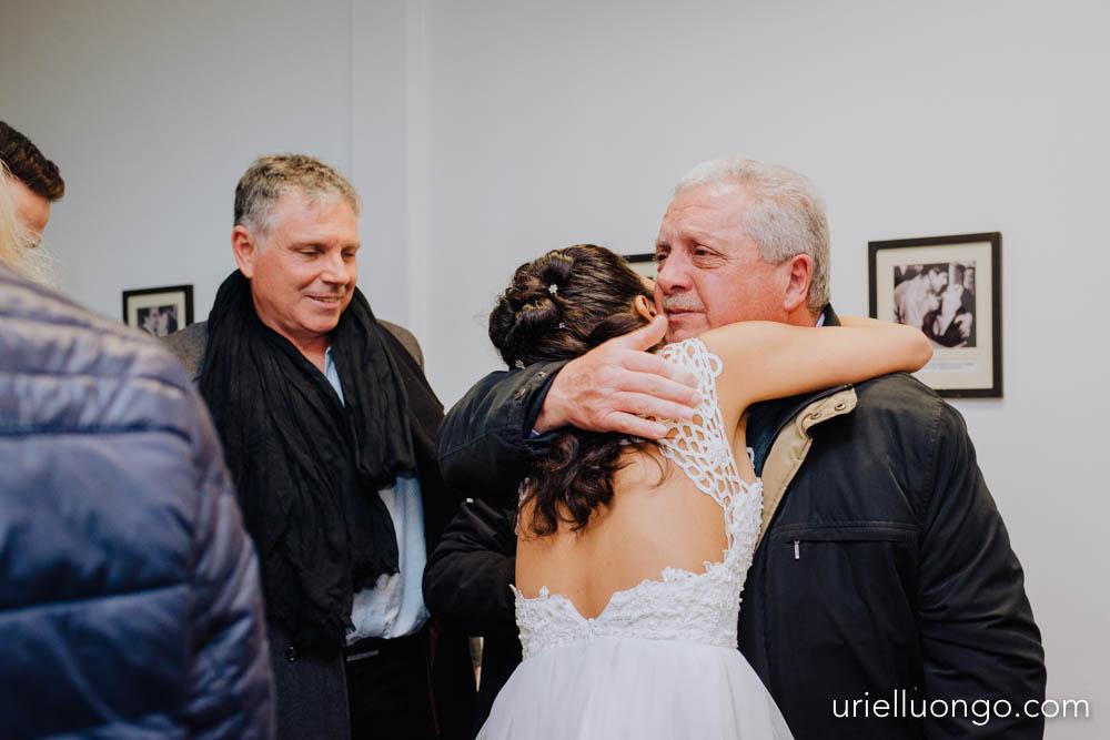 uriel-luongo-fotografia-casamientos-bodas-argentina-imagenes-bodas-buenos-aires-comuna-6-bar-magno-documentl-loqueimportaeselmomento-018.jpg