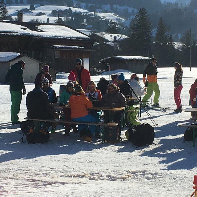 GS Minimes @skiclubvillars @scvillars @crpskiromand @couperaiffeisen #skiromand #mercilessponsors #essvillars @datwyler_sports #vaudoiseassurances #forumfinancegroup #regieturrian #crumbscafebretaye #mcboard.paragon #scilimatifilssa #bonzontransports #turelcharpente #badan_vins #charlescossettoetfilssa #richardsports #garage_alpauto_villars #boucherienicollier #sportshousevillars #eurotelvictoriavillars #domingocuencasarl #tele_villars_gryon_diablerets
