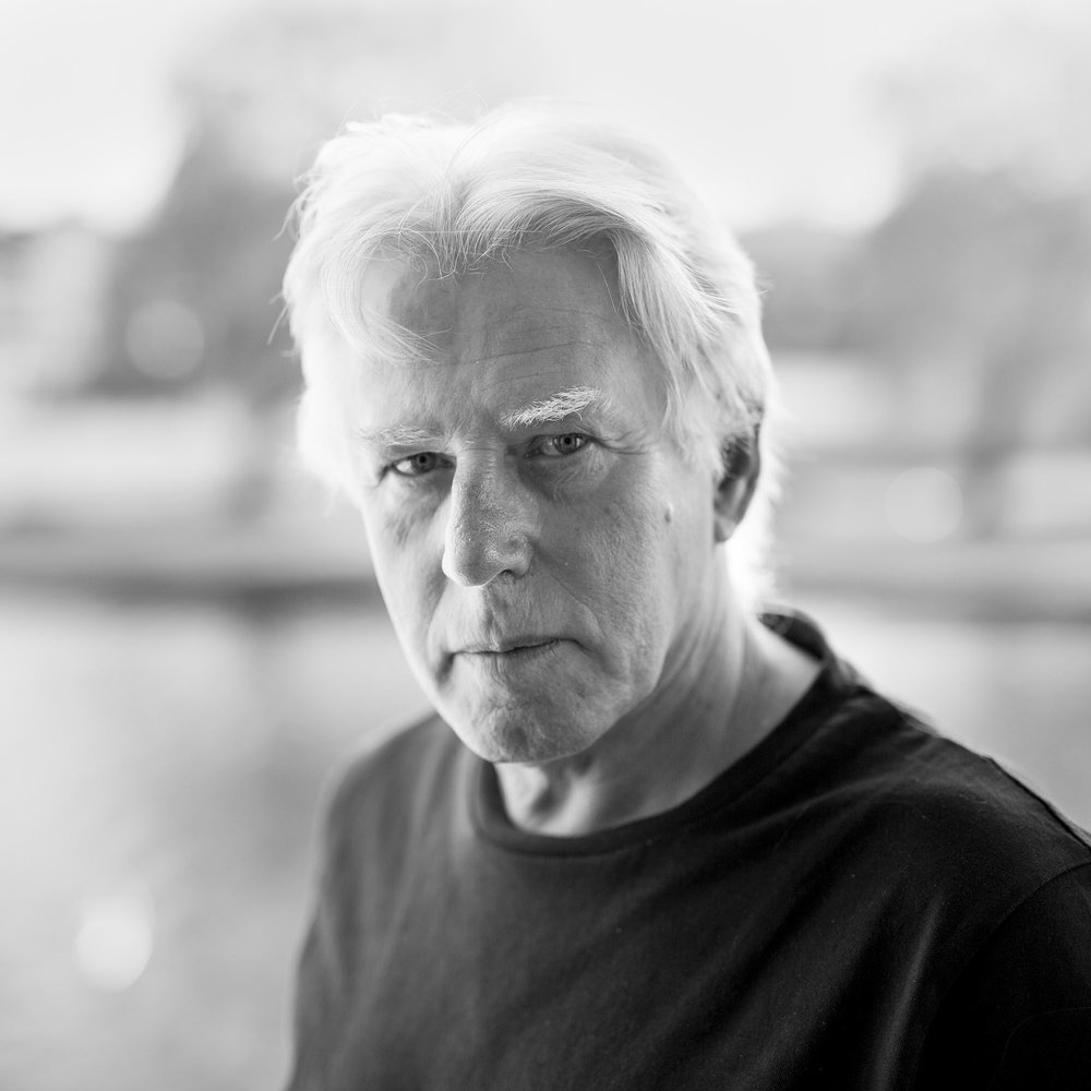 Actor Phil Davis