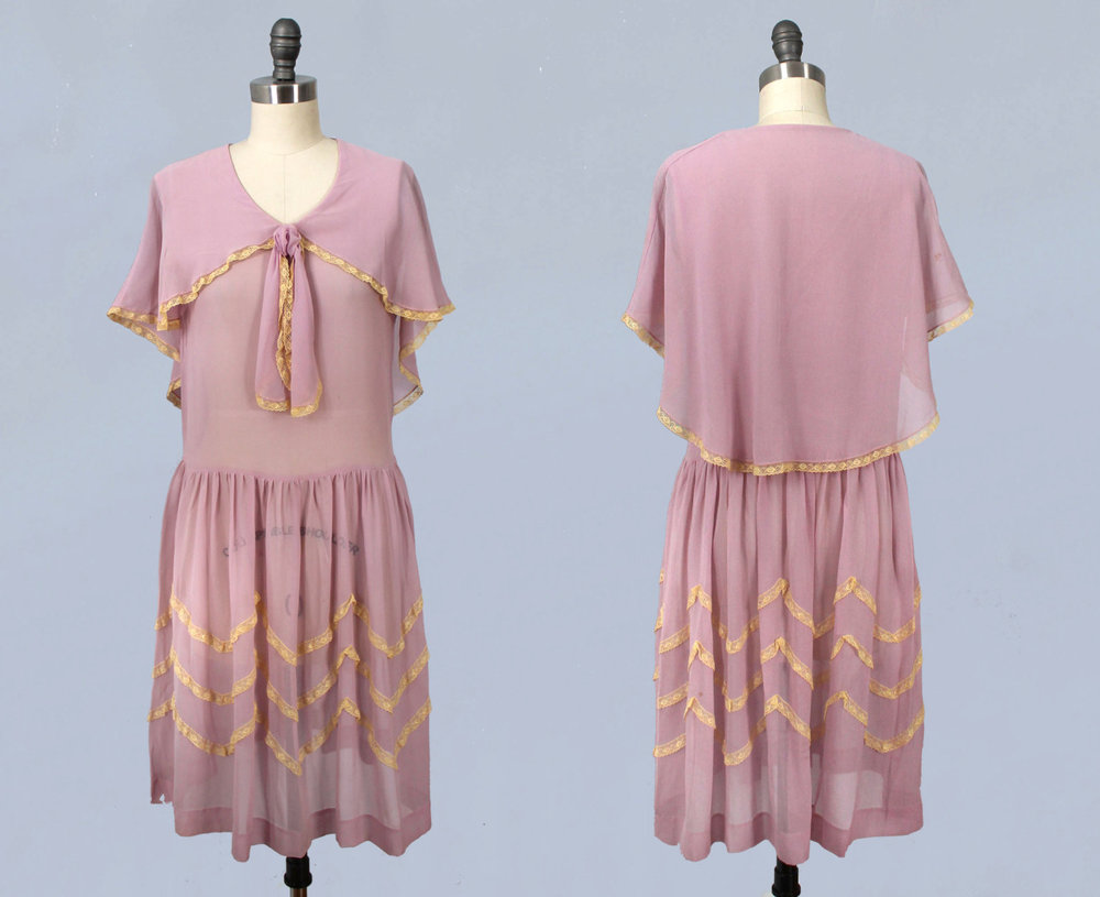 Lavender silk dress with lace trim. 1920s.