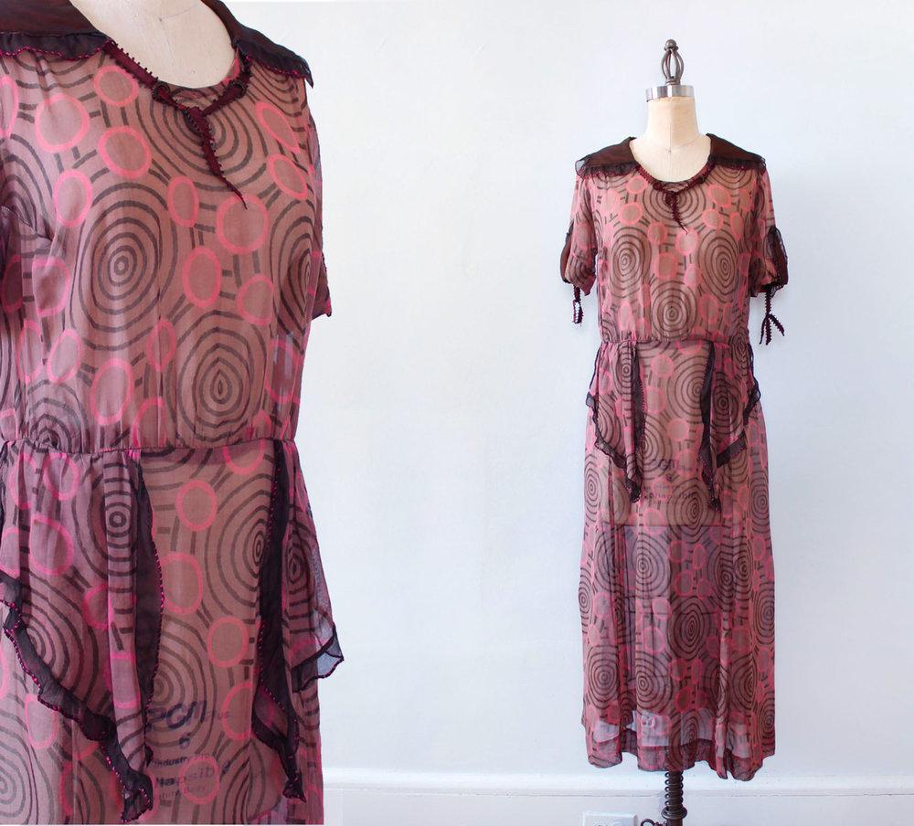 Pink printed cotton dress. 1920s.