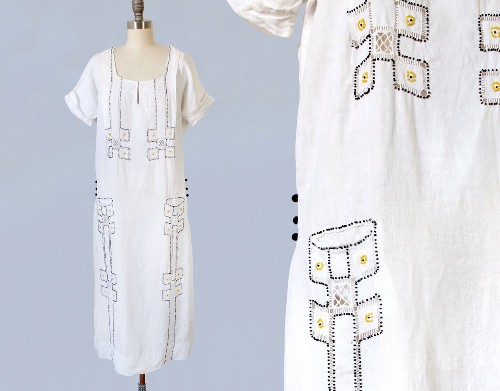 White cotton linen embroidered dress. 1920s.