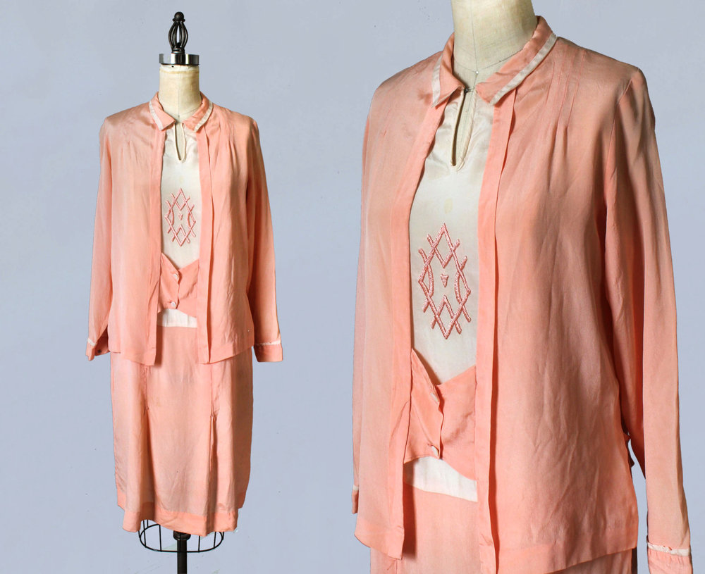 Pink and white silk dress. 1920s.