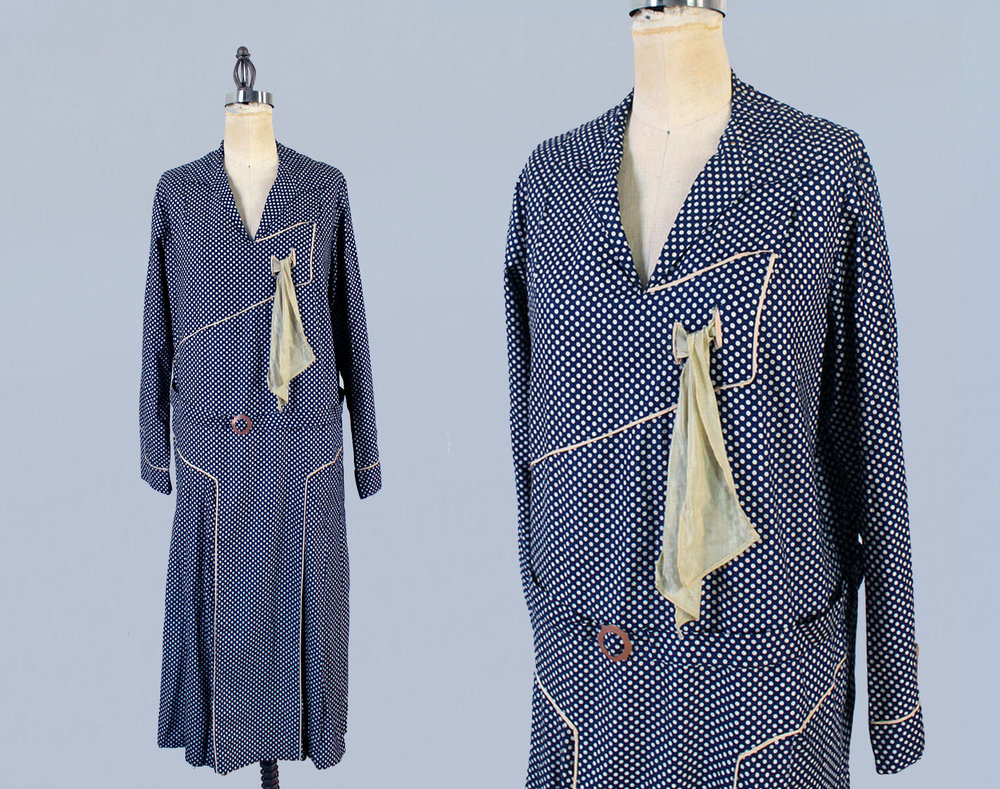 Blue printed cotton dress with scarf. 1920s.