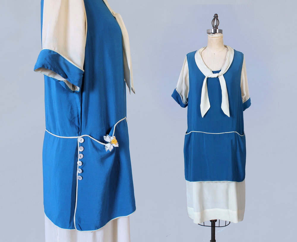 Blue and white silk dress. 1920s.