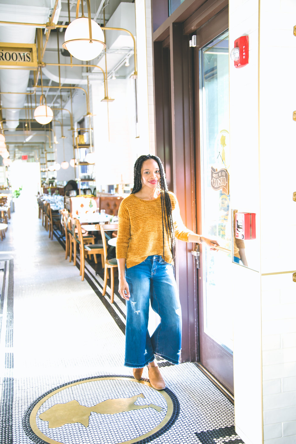Shelly Carpenter of Shelly C. Studio & Shelly C. Lately Lifestyle Travel Motherhood Blogger in Savannah GA Hinesville GA Little Duck Diner