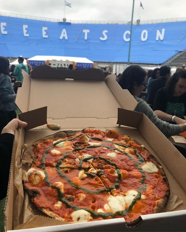 #eeeeeatscon too much food so little time 👌🏼👌🏼👌🏼🤤🤤🤤