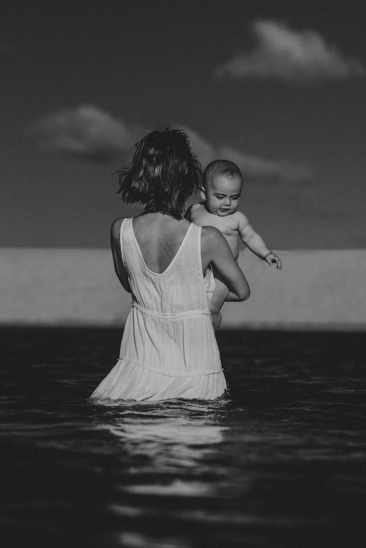 jessica-howard-sunshine-coast-photographer-motherhood-1.jpg