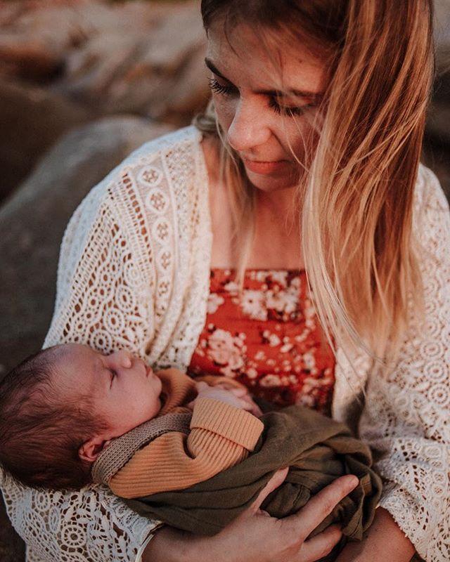 Loving gazes. Flashback to that afternoon I spent with Goldie's Gang in Townsville. 🧡 @zoe_hunt1 . . . . . . . . . . . #sunshinecoastphotographer #my_magical_moments #the_sugar_jar #celebrate_childhood #lwc_motherhood #igw_kids #honestmotherhood #galleryoflight #dearestviewfinder #thesincerestoryteller #beunraveled #rawmotherhood #motherhoodunplugged #motherhoodrising #normalisebreastfeeding #mothermuse #motherhoodinspired