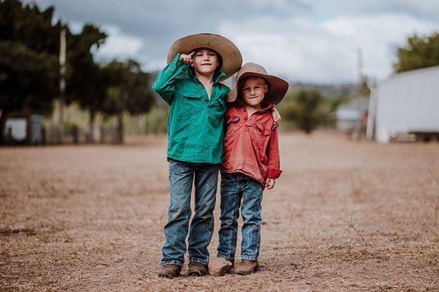 Henry and Percy: old men trapped in these very cute little-boy bodies, showing me around their Bowen property. . . . . . . . . . . . . . . . . . . #rmwilliamsoutbackmagazine #akubraofficial #country #rural #kuntrygram #outbackaustralia #thankafarmerforyournextmeal #wattlewomen #graziher #countrykids  #ruralroom #farminglife #rurallife #countryliving #rsa_rural #rural_love #sunshinecoastphotography #aussieag #EldersLimited #AgInFocus #strivetobeanartist #ozshotmag #exploreaustralia #visitsunshinecoast #travelQLD #thinkoutside #ABCmyphoto #AUSTRALIA_OZ