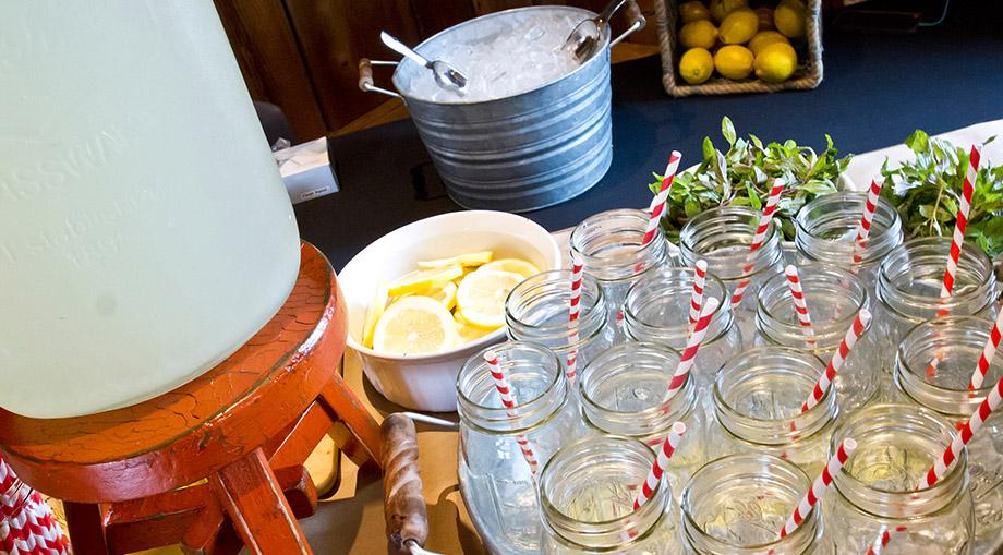 catering-lemonade-best-bbq.jpg