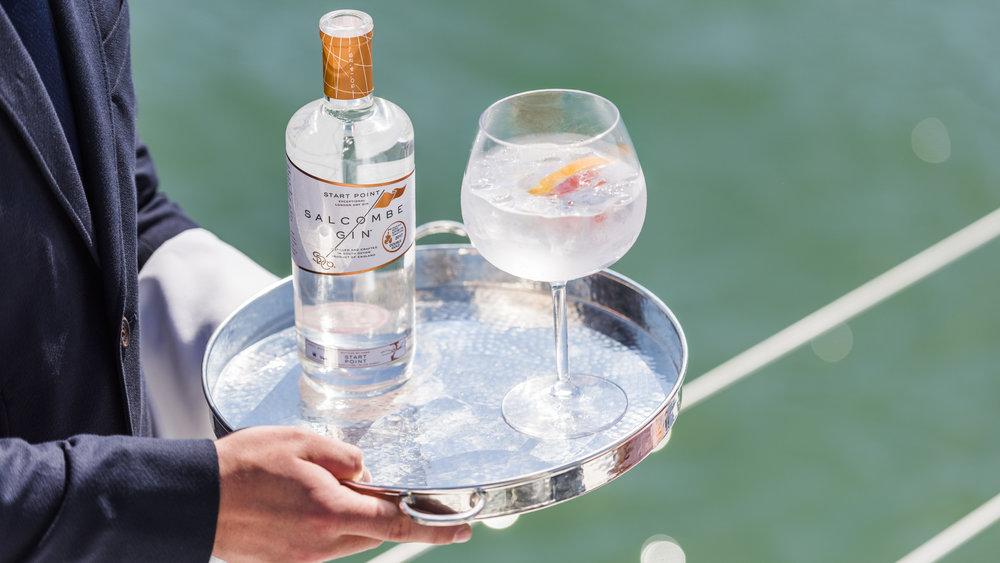 Gin butler service -