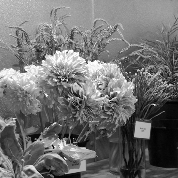 Geny's Wholesale Flowers