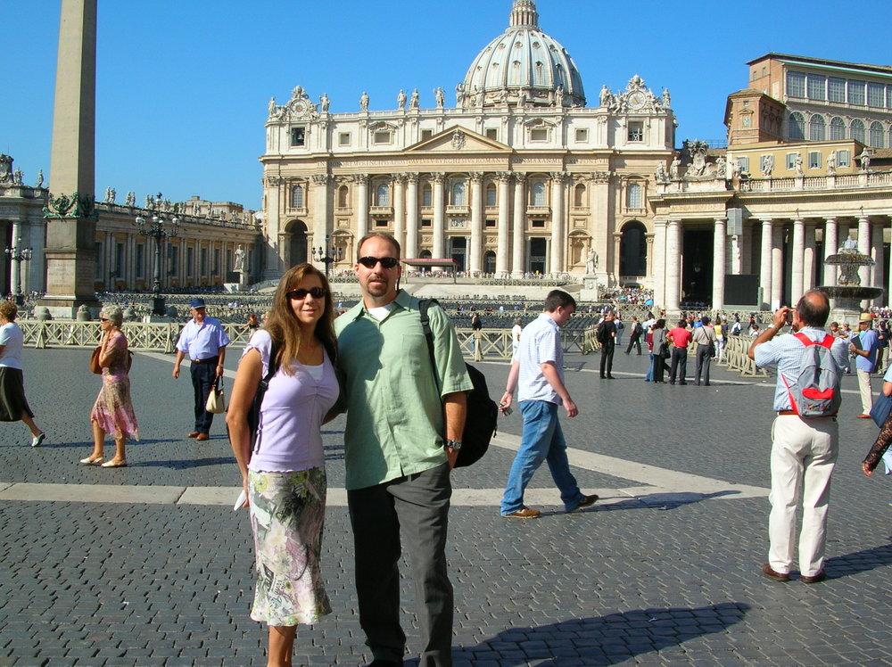 9-20-06-Viki-Dan-in-front-of-St-Peters-Basilica.jpg