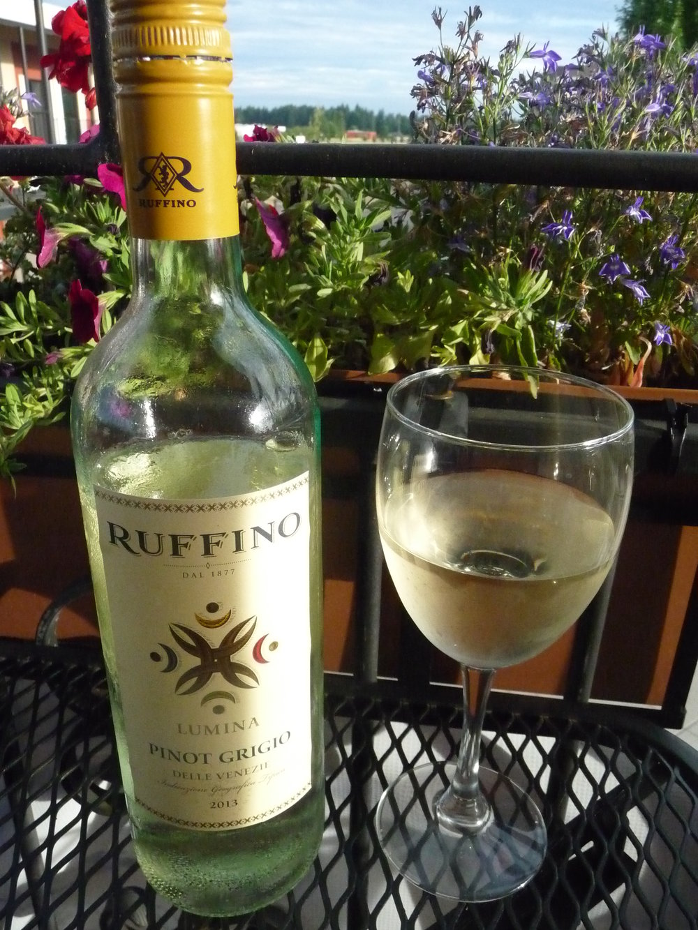 A bottle of Ruffino Pinot Grigio fit the evening. Light, crisp, slightly citrusy and a little floral.