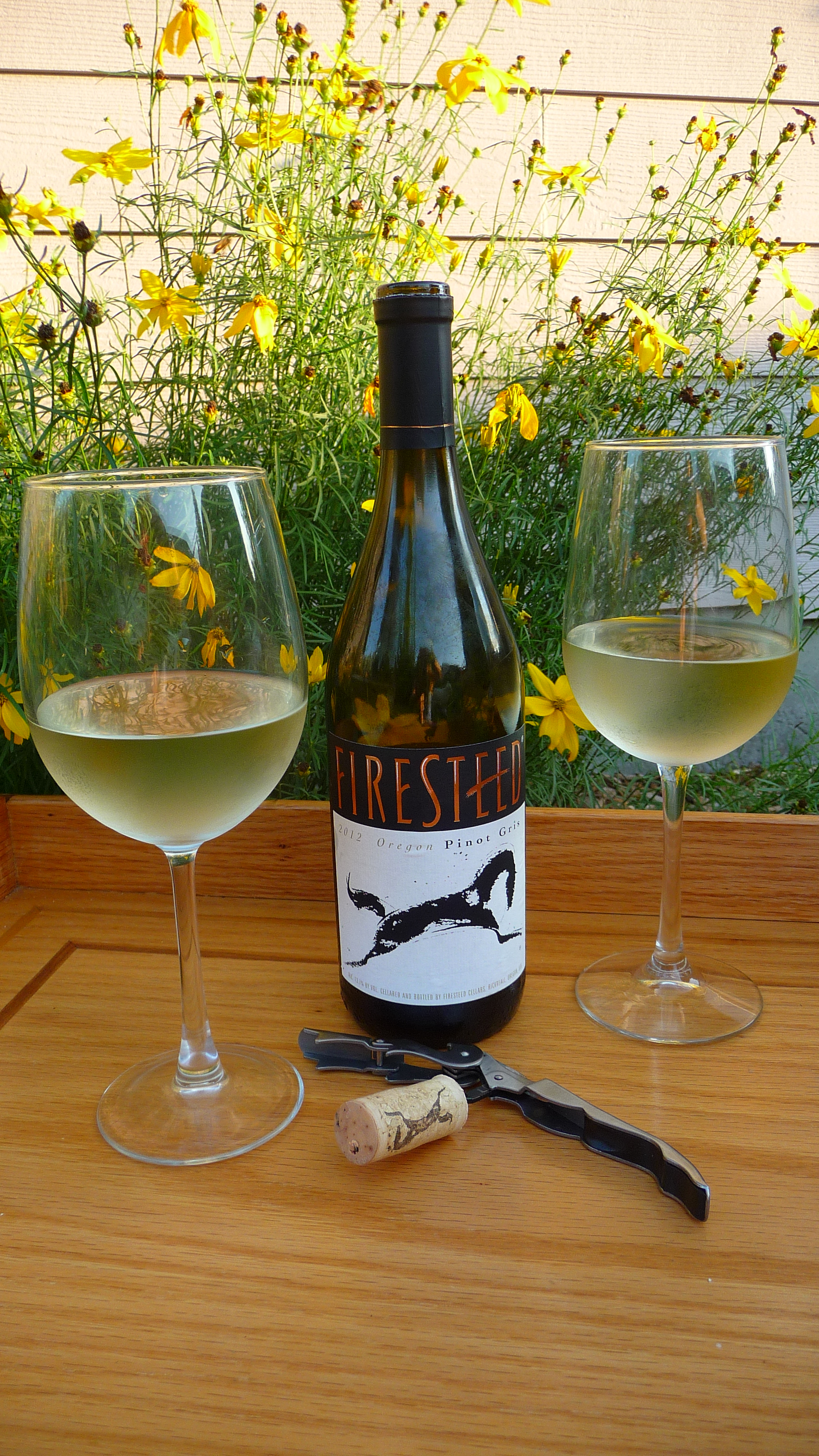 Oregon is one of the top regions for Pinot Gris and this Firesteed Pinot had a clean minerality on the nose and apple on the palate