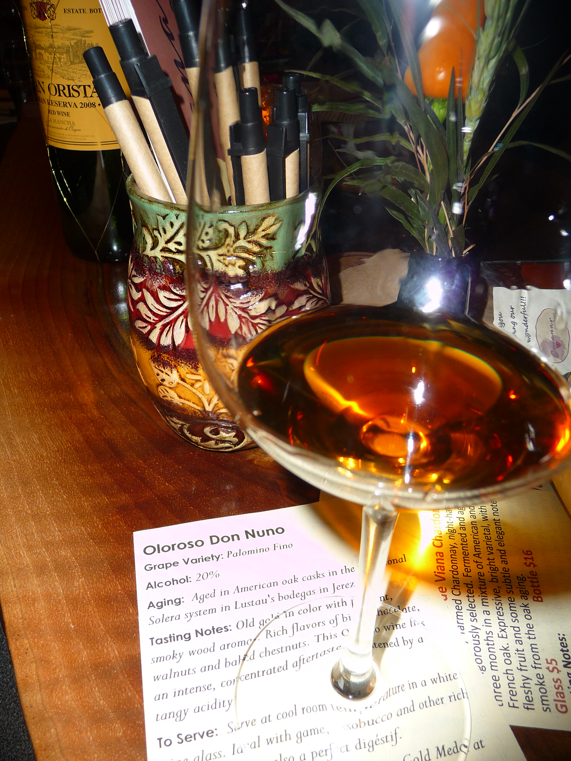 An American oak-aged Oloroso Don Nuῆo Sherry. Recommended food pairings: beef, lamb, cured meats and game