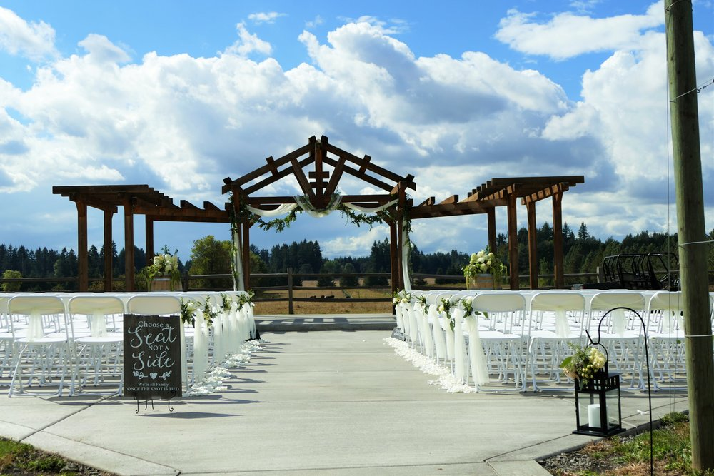 With the ability to host up to 150 guests, Jacquot Farm and Vineyard offers an elegant, close-in event venue in Brush Prairie, WA. Photo courtesy of Jacquot Farm