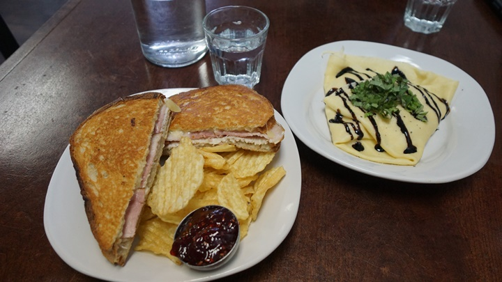 Monte Cristo grilled sandwich and Caprese crêpe at C'est la Vie Café. Courtesy of Viki Eierdam