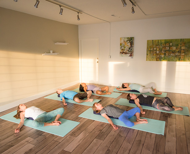 studio-202-north-vancouver-yoga-community-studio.jpg