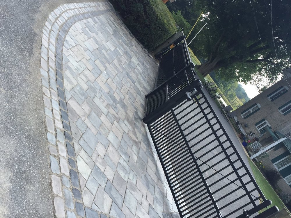 Experienced landscape pavers with bluestone inReading, PA
