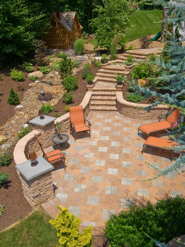 Experienced landscape design with a patio Lehigh county, PA