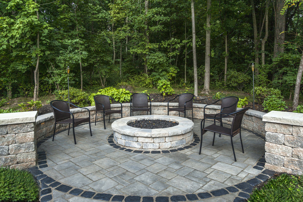 Landscape Contractor's Tips for Choosing the Right Patio Shape for Your Pottsville, PA, Backyard