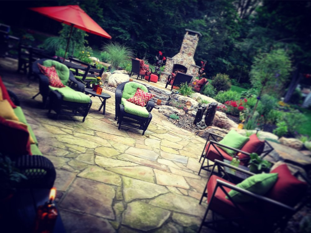 Paver patio in Lebanon PA with outdoor fireplace