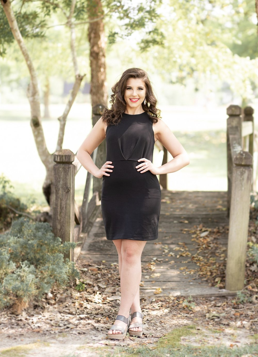 Erin Perry Cap & Gown Session-17.jpg