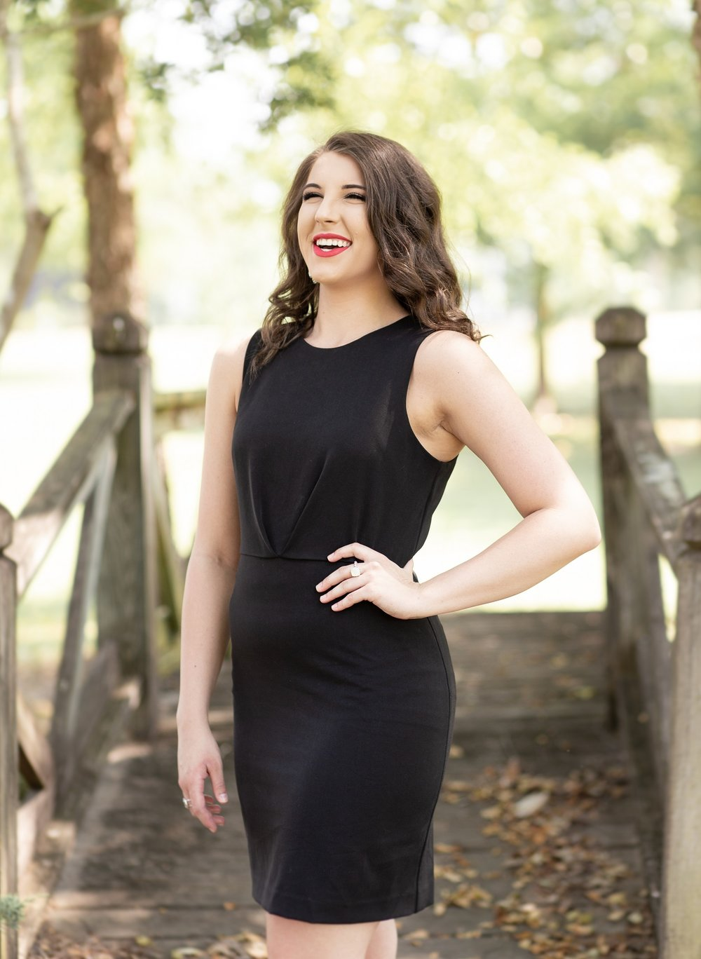 Erin Perry Cap & Gown Session-15.jpg